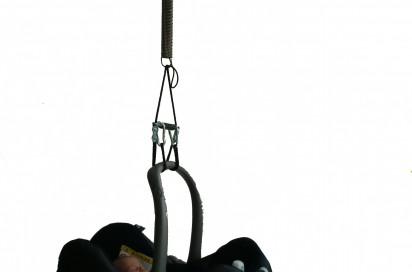 produkteigenschaften sleepingbaby mit deckenhaken die babyschaukel federwiege f r den maxi cosi. Black Bedroom Furniture Sets. Home Design Ideas